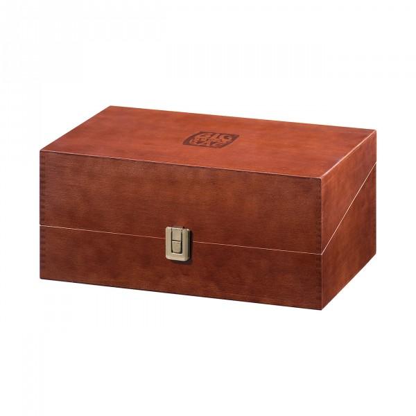Wooden case with BTB Logo